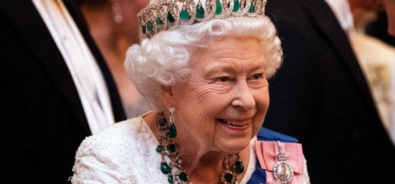 Kraliyetin sadece müceverleri  3 milyar sterlin…
