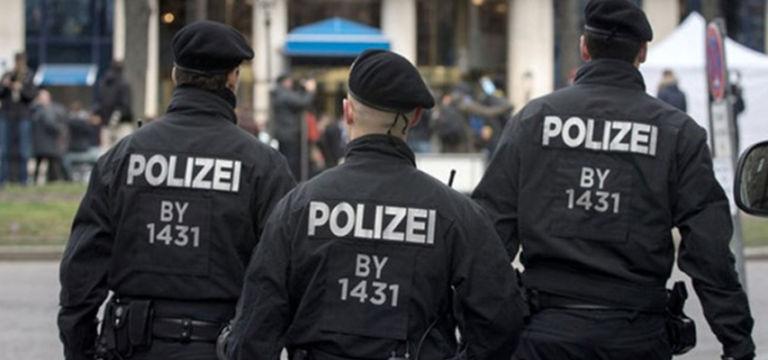 Almanya'da polisin Türk aileyi darp ettiği iddia edildi…