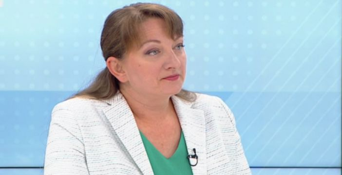 Çalışma Bakanı Saçeva : 2021'de asgari ücret 650 leva olacak